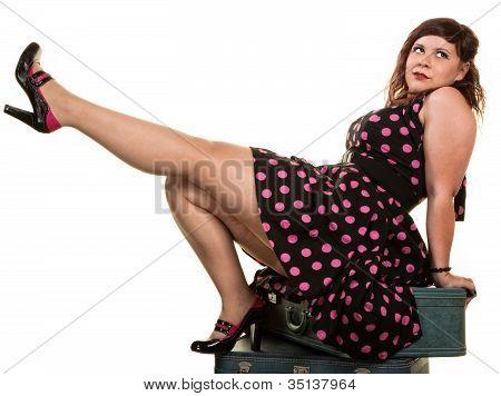 Flirtacious mujer mostrando su pierna