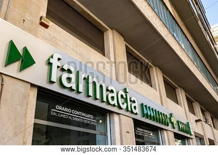 Palermo, Sicily - February 8, 2020: The Italian Pharmacy (farmacia In Italian) Written With A Green