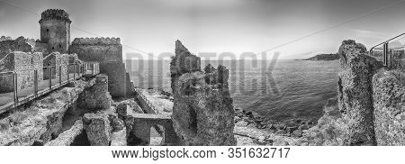 Panoramic View Of The Scenic Aragonese Castle, Aka Le Castella, On The Ionian Sea In The Town Of Iso