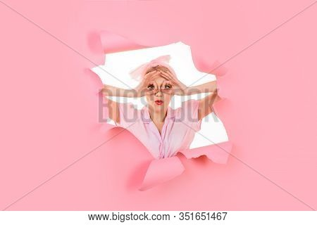 Okay. Beautiful Girl Looking Through Paper Hole Show Ok Sign. Serious Pin Up Girl Making Ok Sign. Wo