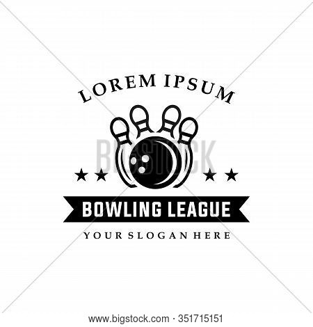 Bowling Vector Logotype, Emblem And Badge. Club Gaming Play, Skittle And Strike Illustration. Templa