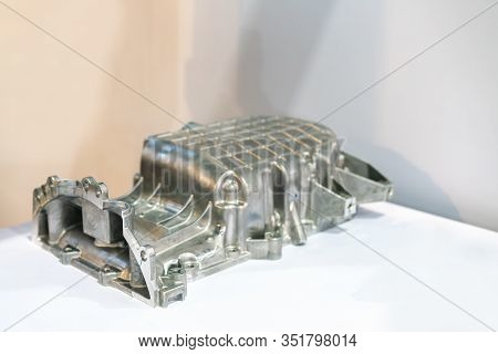 Aluminum Alloy Cove Crankcase Engine Part For Automobile Or Vehicle Before Machining Made From High