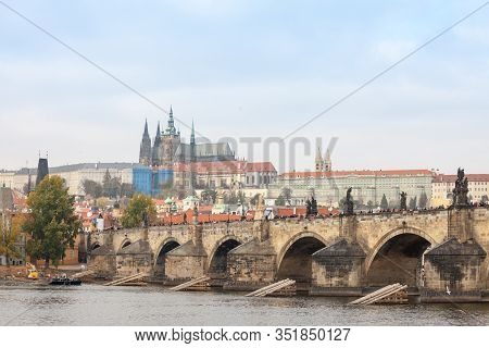 Charles Bridge (karluv Most) And The Prague Castle (prazsky Hrad) Seen From The Vltava River. The Ca