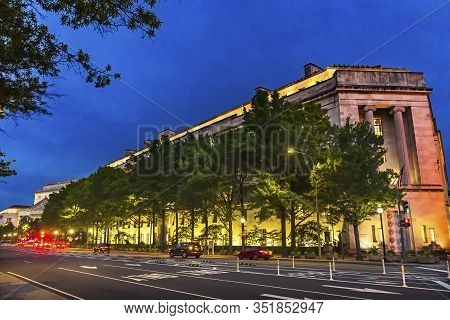 Robert F Kennedy Justice Department Building Evening Pennsylvania Avenue Washington Dc Completed In
