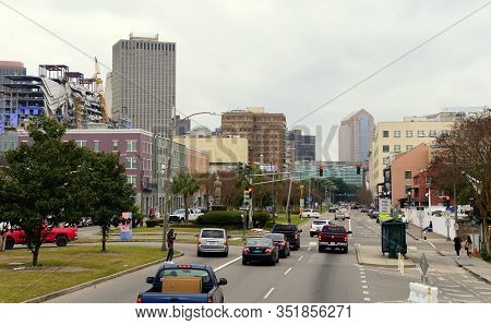 New Orleans, Louisiana, U.s.a - February 4, 2020 - The View Of The Traffic And Buildings Near Rampar