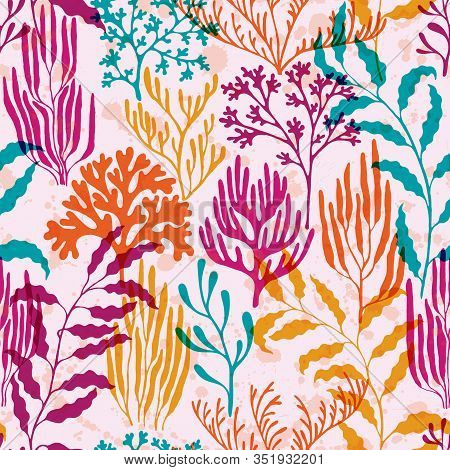 Coral Reef Seamless Pattern. Kelp Laminaria Seaweed Algae Background. Caribbean Staghorn And Pillar