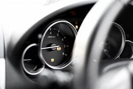 Vehicle Dashboard Gauge - Car Breakdown - Traction Control - Dsc Light On - Abs Light On