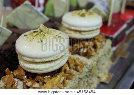 The Macaroon White Decorations