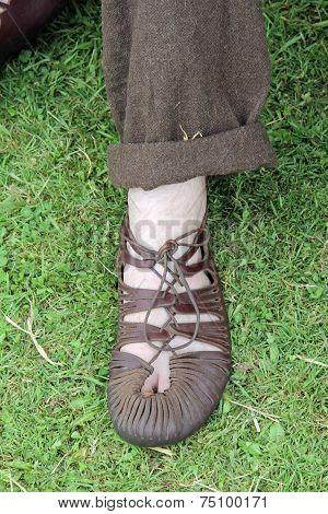 Leather roman sandal