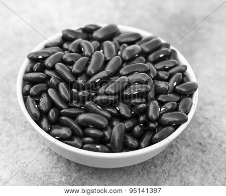 Grayscale image depicting a cup of Kidney Bean