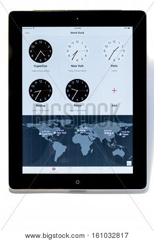 World Clock On Ipad 3 For Cupertino, New York, Paris, Beijing And Tokyo