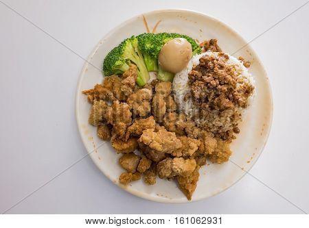 Taiwanese Style Braised Pork Rice And Popcorn Chicken