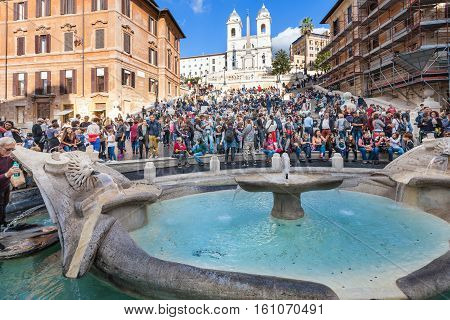 Fontana Della Barcaccia And Crowd On Spanish Steps