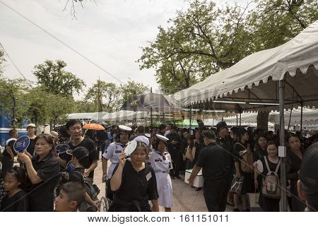 BANGKOK THAILAND - NOV 5 : snapshot of people in Sanam Luang area while the funeral of king Bhumibol Adulyadej in Grand Palace on november 5 2016