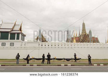 BANGKOK THAILAND - NOV 13 : scene of The worship at wall of Wat Phra Kaew while the funeral of king Bhumibol Adulyadej in Grand Palace on november 13 2016