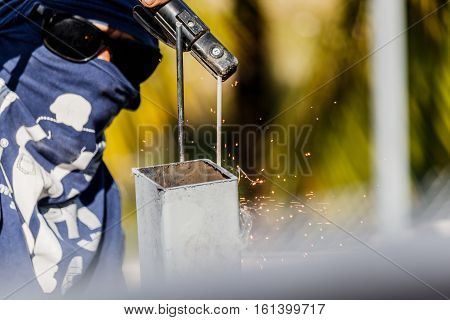 Welding steel with no protection standart in construction work