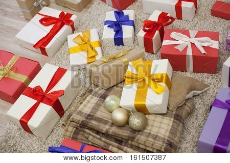 many Christmas gifts Plaid new year xmas