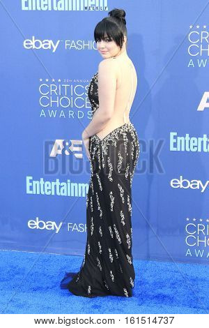SANTA MONICA - DEC 11: Ariel Winter at The 22nd Annual Critics' Choice Awards at Barker Hangar on December 11, 2016 in Santa Monica, California