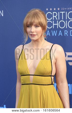 SANTA MONICA - DEC 11: Bryce Dallas Howard at The 22nd Annual Critics' Choice Awards at Barker Hangar on December 11, 2016 in Santa Monica, California