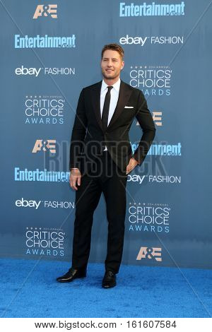 LOS ANGELES - DEC 11:  Justin Hartley at the 22nd Annual Critics' Choice Awards at Barker Hanger on December 11, 2016 in Santa Monica, CA