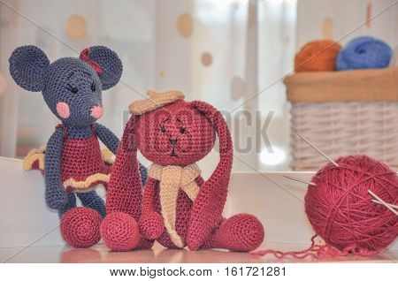 toys knitted hook mouse and rabbit ball of wool and spoke