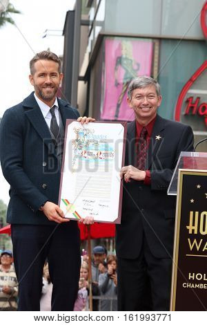 LOS ANGELES - DEC 15:  Ryan Reynolds, Leron Gubler at the Ryan Reynolds Hollywood Walk of Fame Star Ceremony at the Hollywood & Highland on December 15, 2016 in Los Angeles, CA