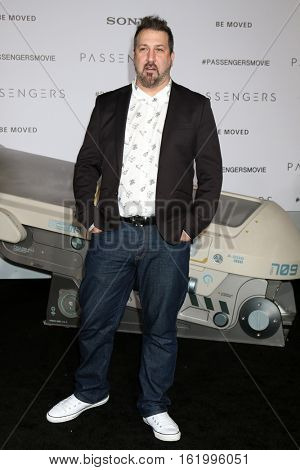 LOS ANGELES - DEC 14:  Joey Fatone at the