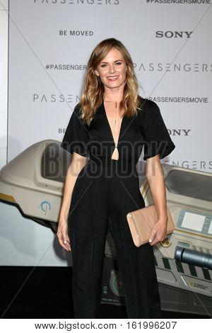 LOS ANGELES - DEC 14:  Lauren Shaw at the