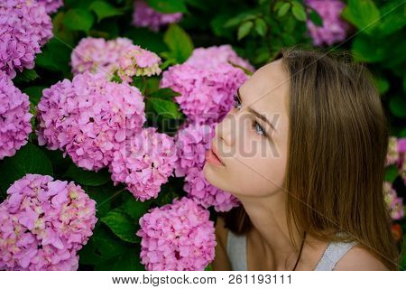 Spring Style. Pretty Girl With Spring Flowers. Adorable Girl In Spring. Beauty Treatment And Therapy