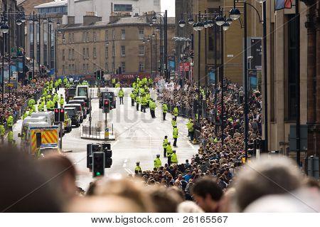 Edimburgo, Escócia, Reino Unido - 16 de setembro: O Papa Benedict XVI, em seu papamóvel percorre Lothian