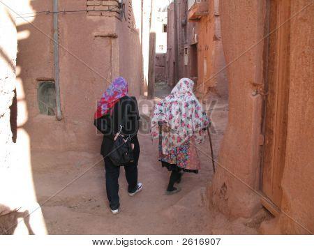 Abyaneh Ladies Walking Iran 2006 395