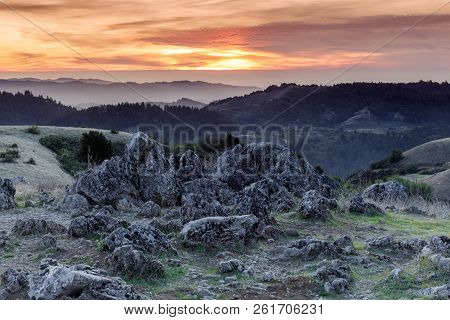 Sunset Views From Black Mountain Looking West. Monte Bello Open Space Preserve, Los Gatos, Santa Cla