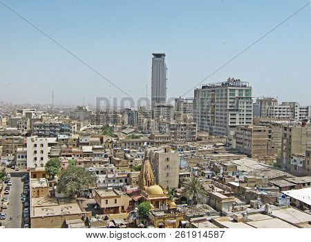 Mcb Tower - City Scape Of Karachi, Pakistan - 07/05/2009