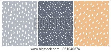 Funny Abstract Spots Seamless Vector Patterns. White Irregular Freehand Brush Lines On A Graphite, B