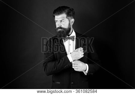 Neat And Tidy. Stylist Fashion Expert. Suit Style. Fashion Trends For Groom. Groom Bearded Hipster M