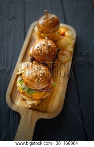 Home Made Cheeseburger