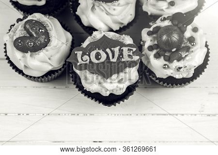 Birthday Cupcake With Love. Cupcakes For Valentine's Day.