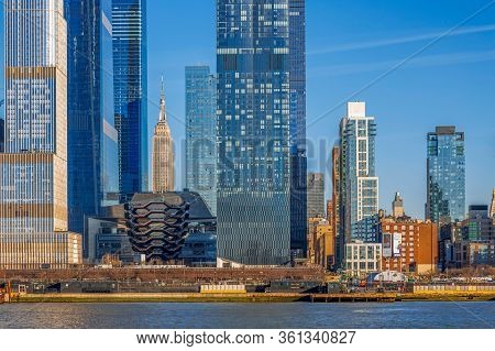 New York, Manhattan - March 9, 2020: View Of The Skyscrapers In Manhattan, New York, Usa, From The H