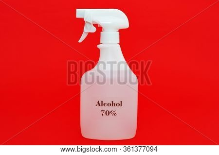 70% Alcohol Spray For Protection Against Coronavirus / Sars-cov-2 / Covid-19 And Other Contagious Di