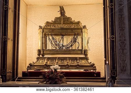 Rome, Italy, May 2018: Relic Of The Chains Of Saint Peter Kept In A Glass Urn Inside Of San Pietro I