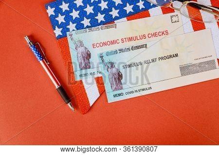 U.s. Federal Cash Incentive Coronavirus Covid-19 On Global Pandemic Lockdown Stimulus Package Financ