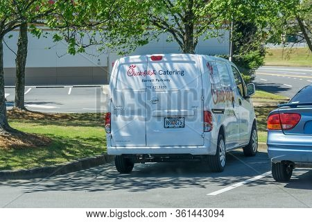 Kennesaw, Ga / Usa - 04/02/20: White Chick-fil-a Caterting Van Parked In Kennesaw, Ga On Barrett Par