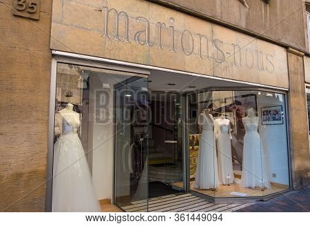 Metz, France - August 31, 2019: Street With Luxury Fashion Stores In Downtown Of Metz, Lorraine, Fra
