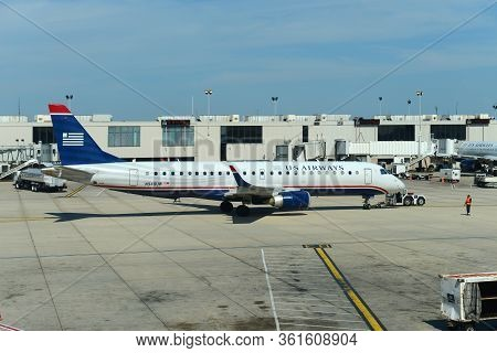 Philadelphia, Usa - May 31, 2013: Former Us Airways Embraer E-jet E190 N949uw At Philadelphia Intern