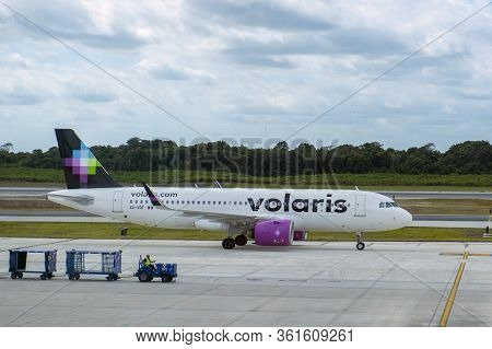Cancun, Mexico - Jan. 23, 2020: Volaris Airlines Airbus A320 Xa-vrf At Cancun International Airport
