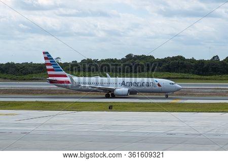 Cancun, Mexico - Jan. 23, 2020: American Airlines Boeing B737-800 N854nn At Cancun International Air