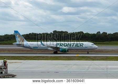 Cancun, Mexico - Jan. 23, 2020: Frontier Airlines Airbus A321 N702fr At Cancun International Airport