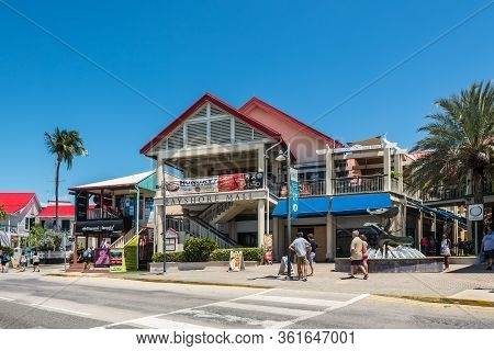 George Town, Grand Cayman Island, Uk - April 23, 2019: Street View Of George Town At Day With Touris