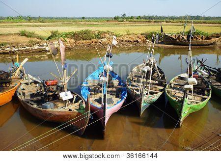 boats resting in the bondo beach