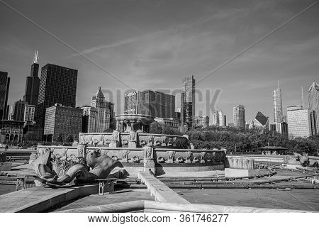 Buckingham, Fountain At Grant Park